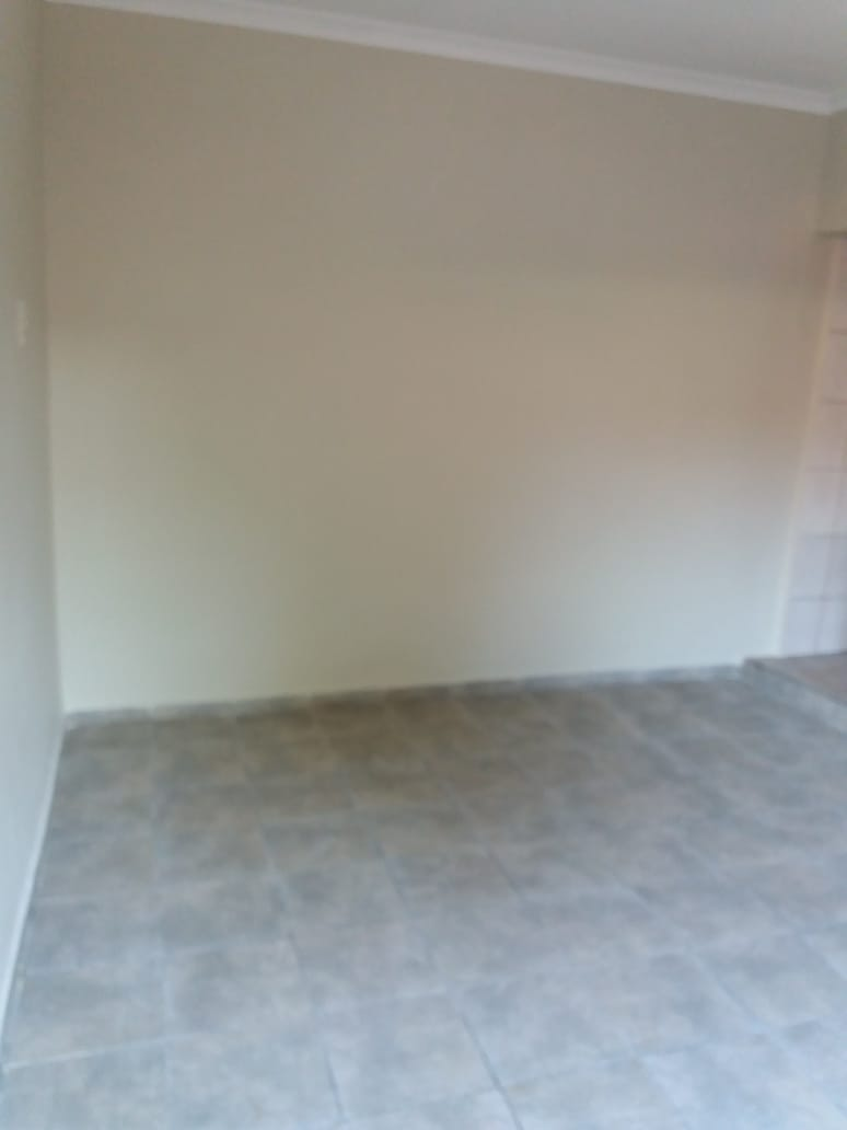 Secure outbuilding to rent in Merebank