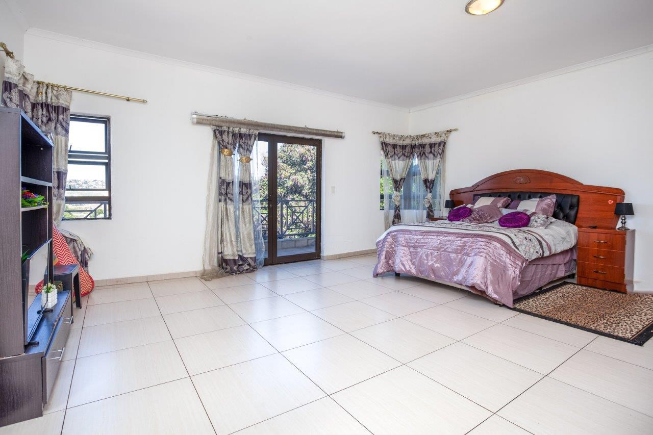 House For Sale in Lenasia Ext 3