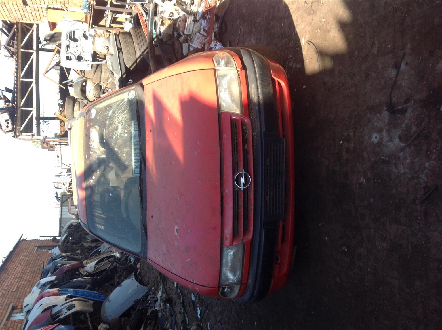 Stripping Opel Astra Estate for Spares