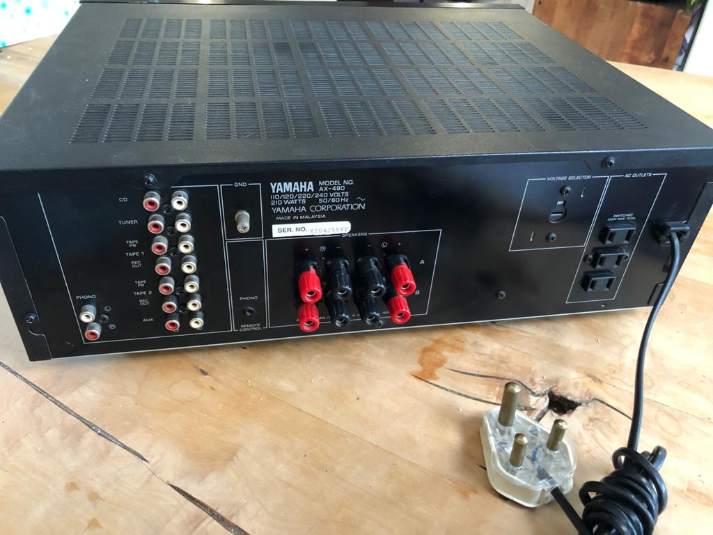 Yamaha AX-490 - Powerful Stereo Integrated Amplifier with Universal remote contr