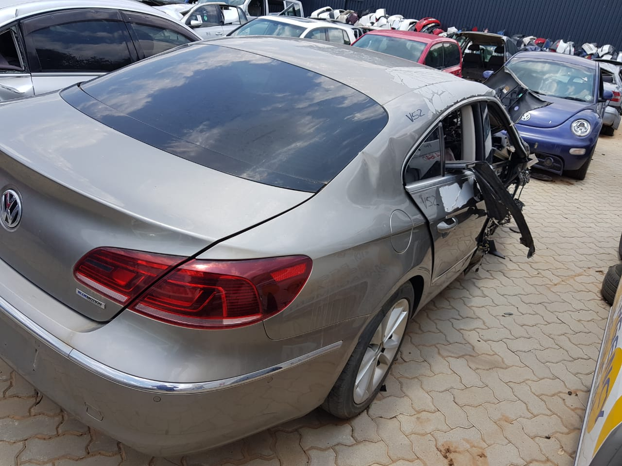 VW CC/Passat Stripping for Spares