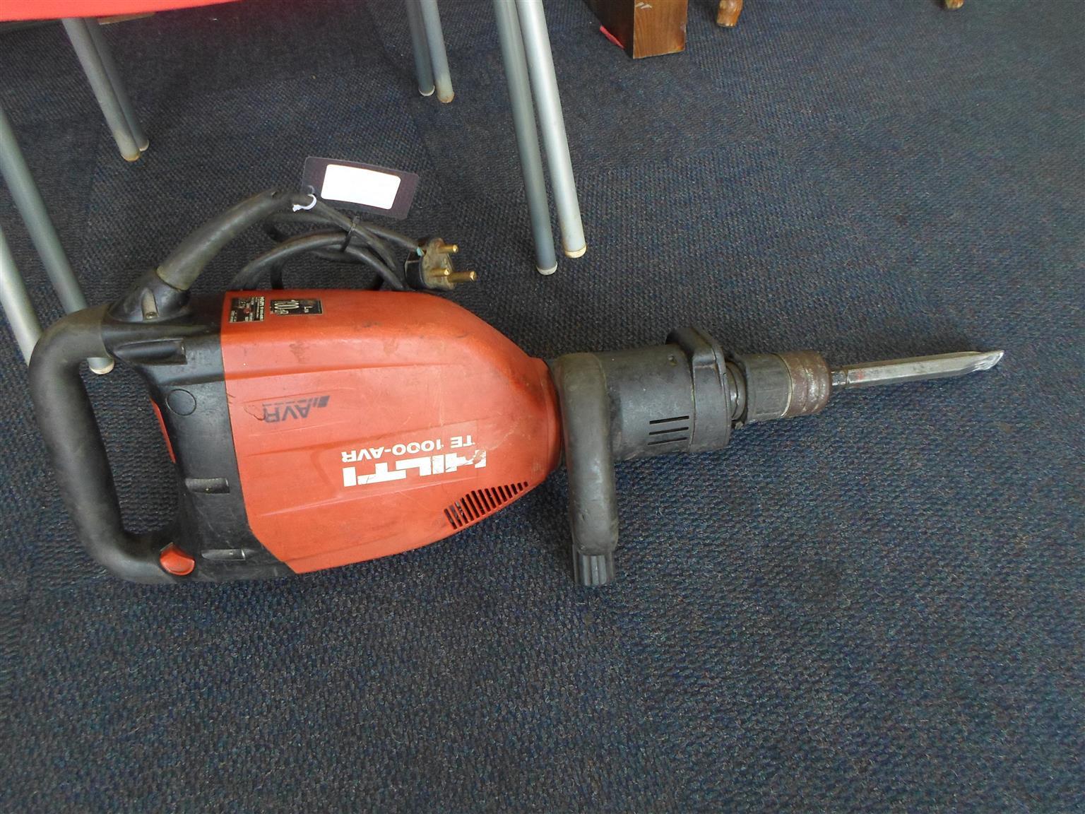 1600W Hilti TE 1000-AVR Breaker