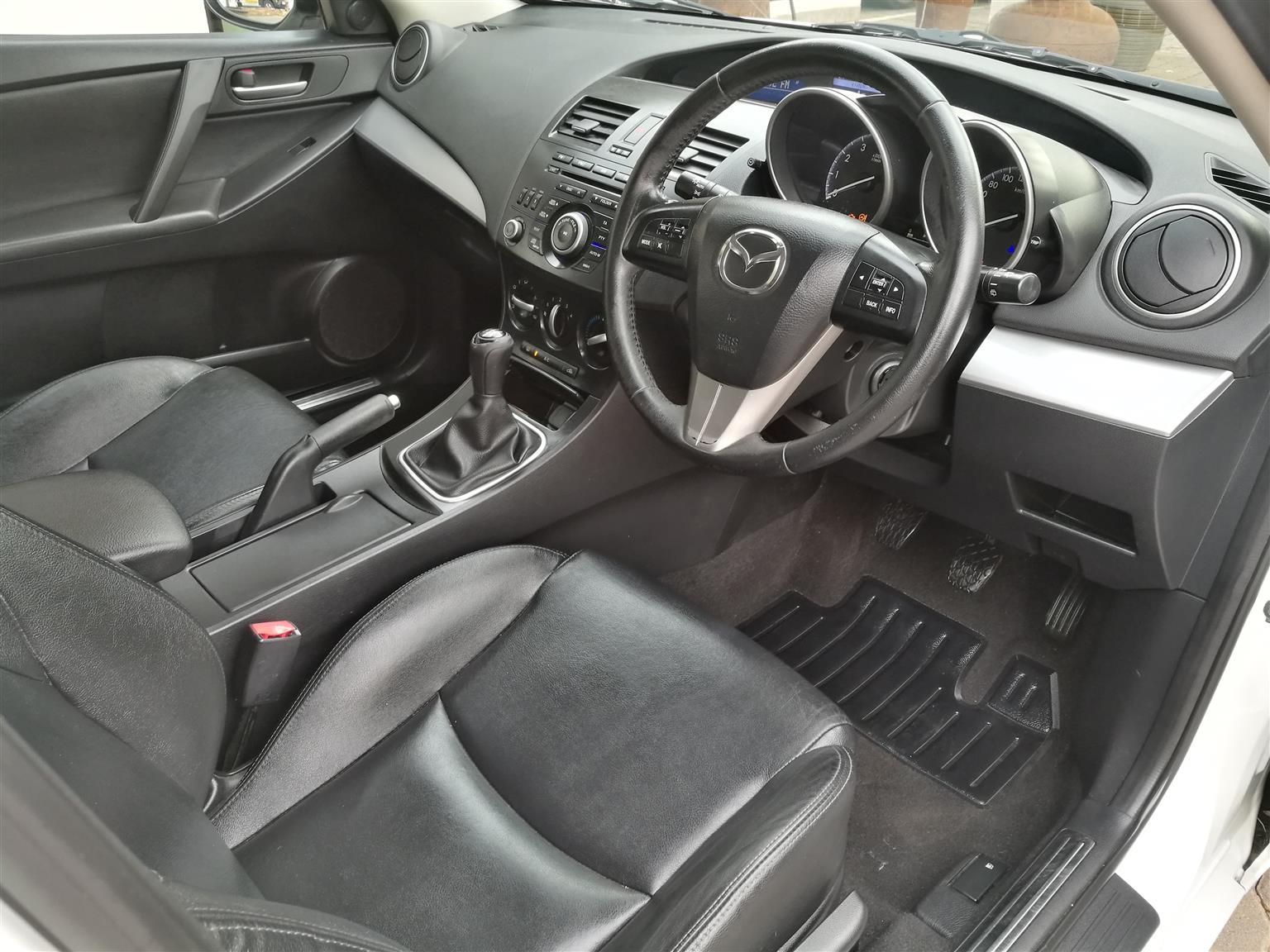 2014 Mazda 3 Mazda 1.6 Dynamic
