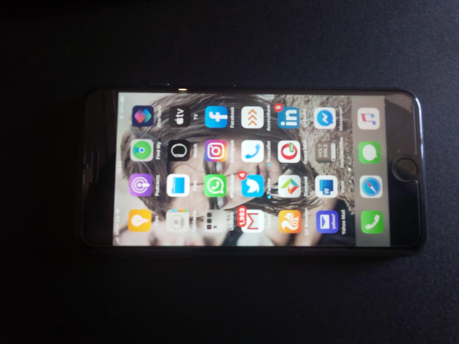 Perfectly working Iphone 8plus (very neaat, no scratch)