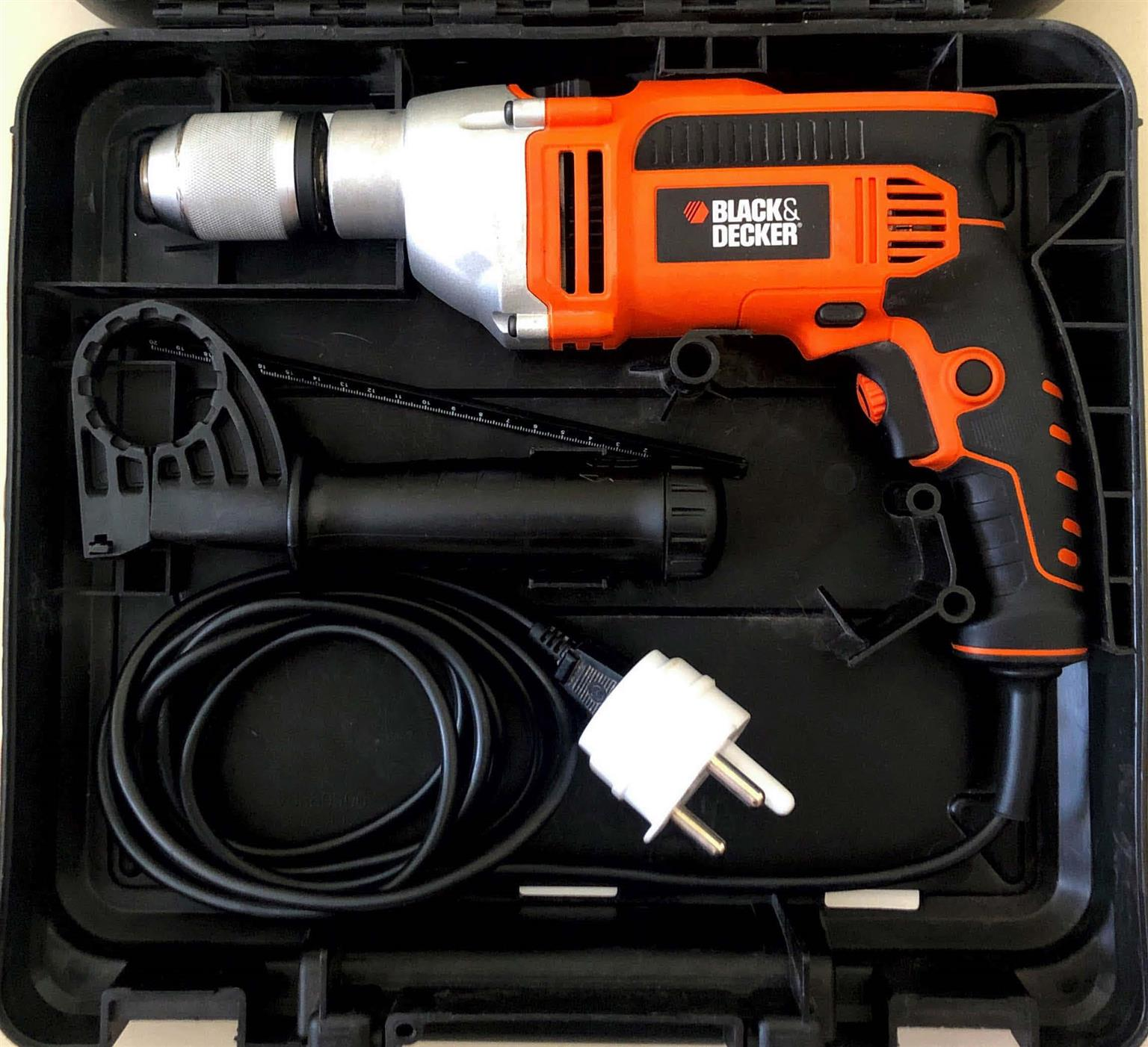 Black & Decker 1000W Hammer Drill with 13mm Keyless Chuck