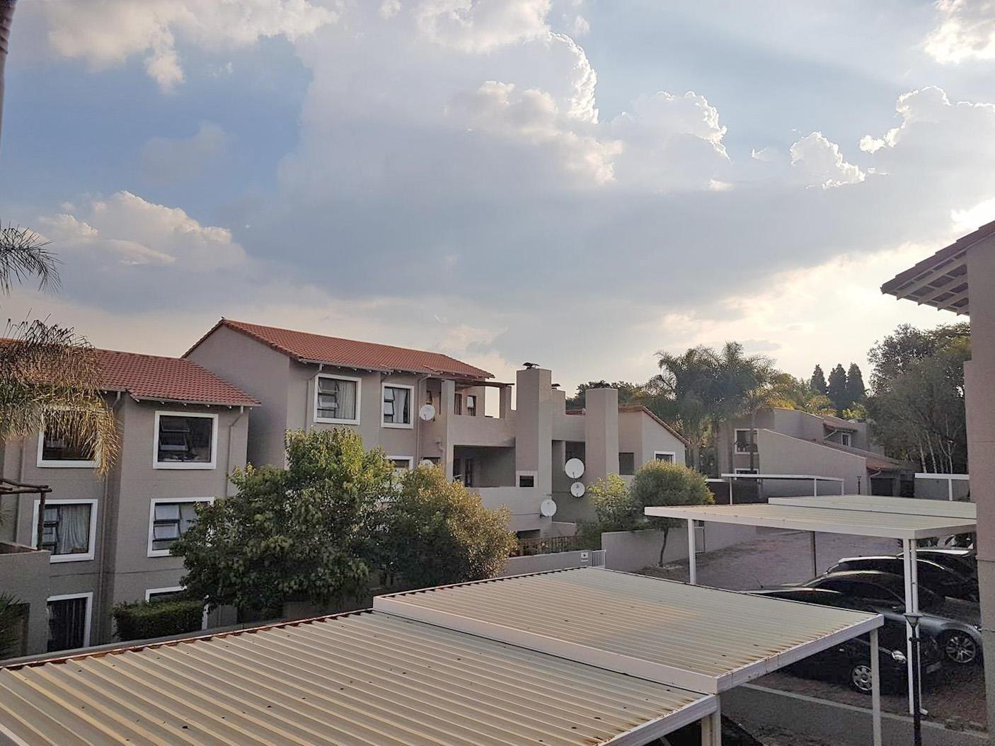 Apartment Rental Monthly in Country Life Park