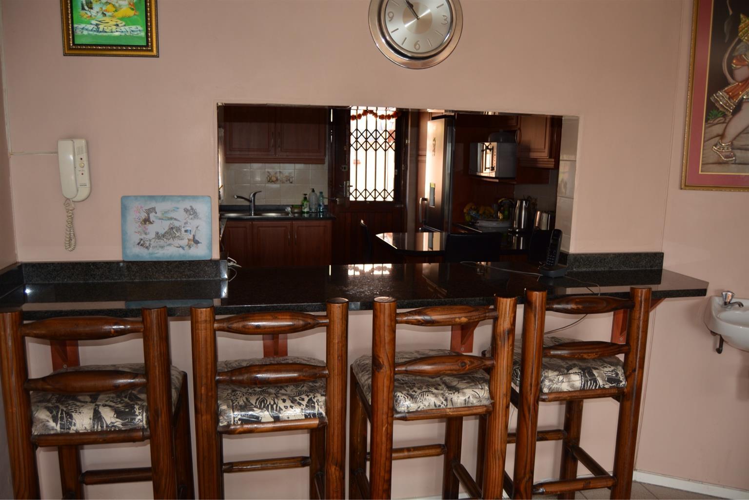 REDUCED!!! URGENT SALE - 3 BEDROOM HOME IN SHALLCROSS(SOLE MANDATE)