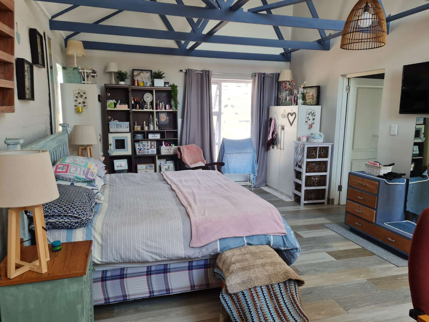 House For Sale in Golden Fields Estate