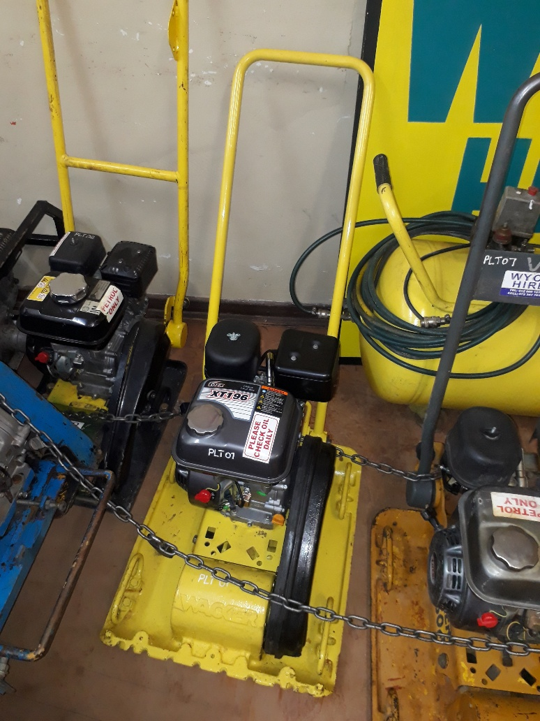 Plate compactor for sale(NEW ENGINE)