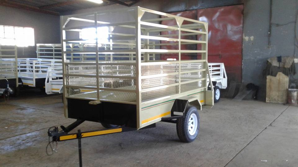 2.450m single axle Cattle trailers for sale