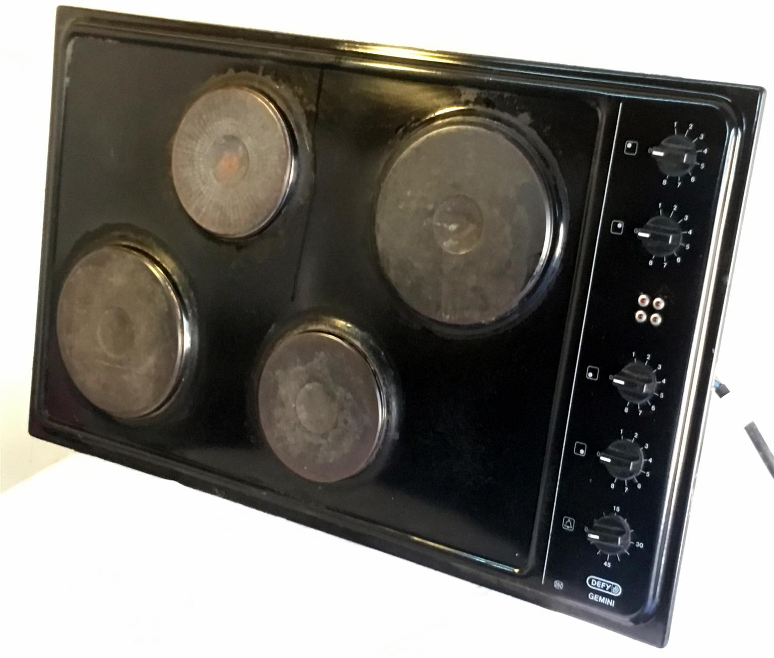 Defy Gemini Cordon Bleu oven hob combo.
