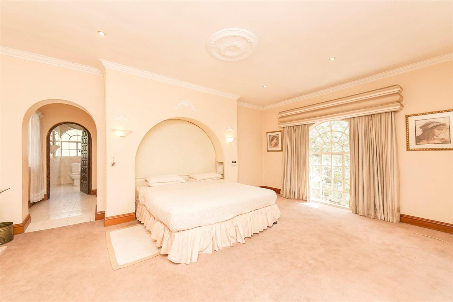 House For Sale in Melrose