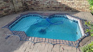 3 Bedroom simplex Town house in Randburg (North Riding) Bellairs Park Berenice Place complex with a splash pool