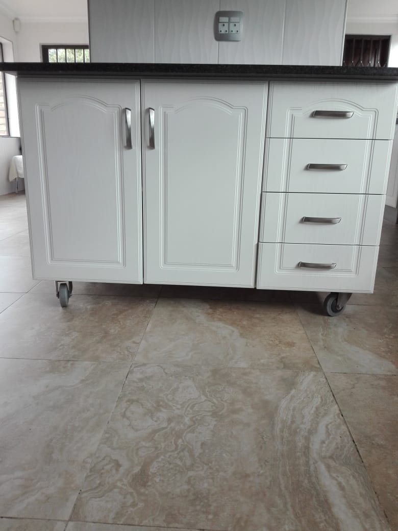 Kitchen Butchers Block Cape Town : Kitchen butchers block / cupboard for sale. Junk Mail