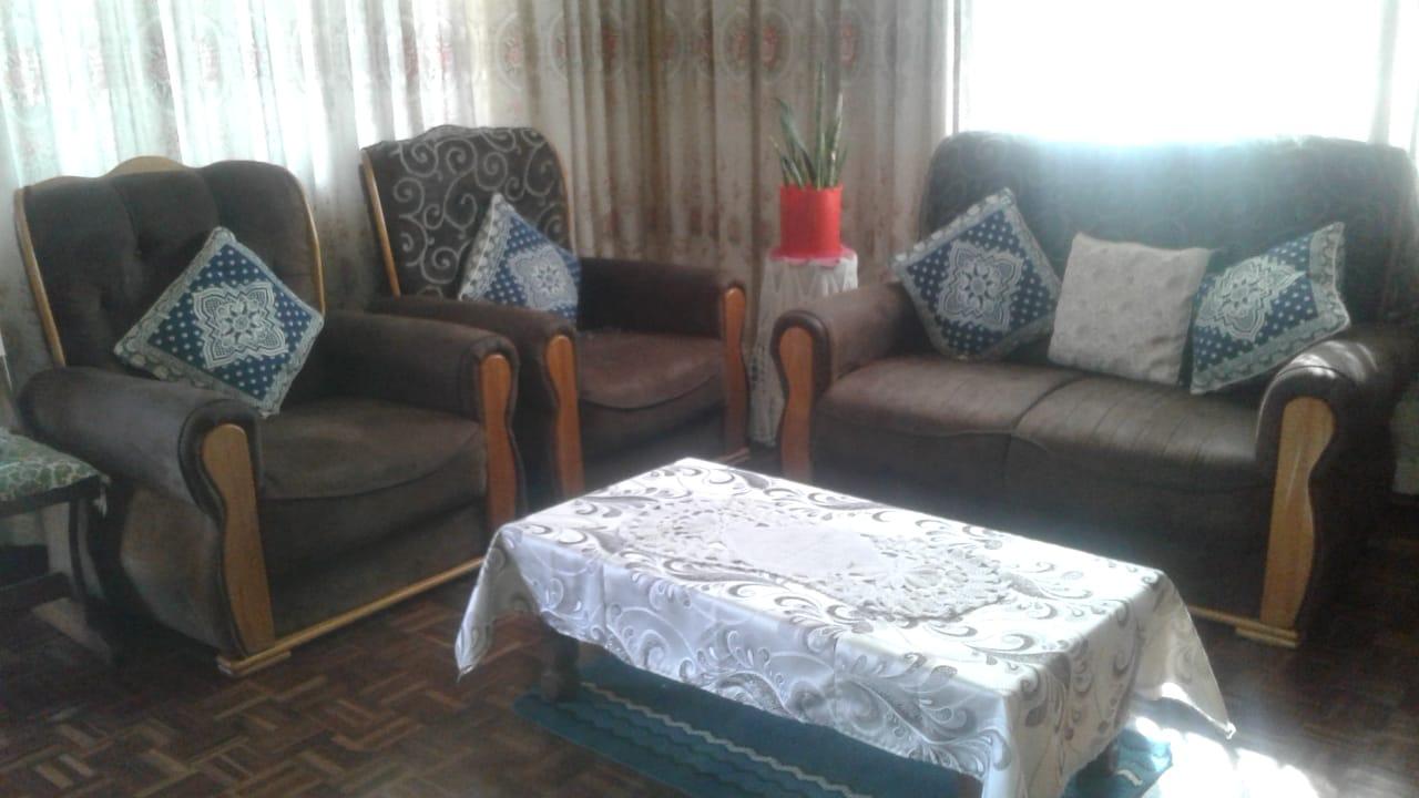 Lounge Set & coffee table