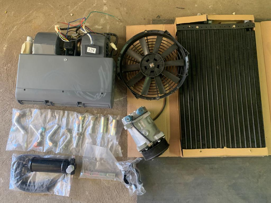 Universal aircon for earth moving machine