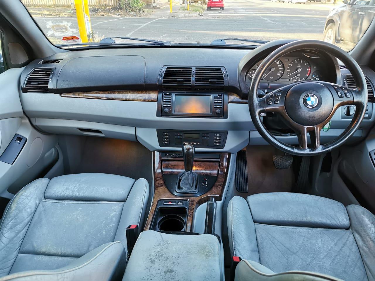 2005 BMW X series SUV X5 4.8i Dynamic