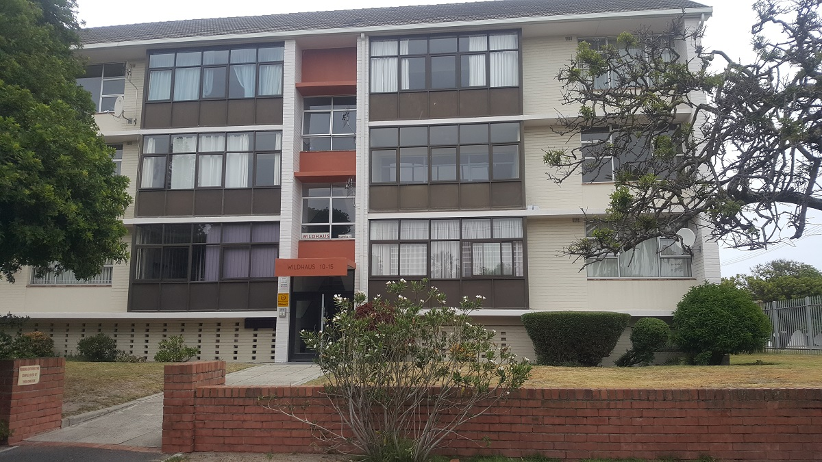 Lovely 2 bedroom apartment in Milnerton Central R 9000
