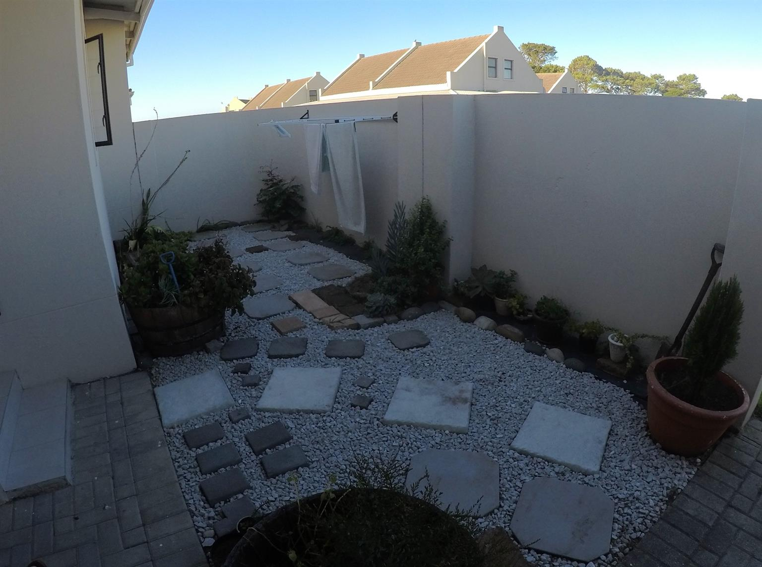Townhouse For Sale in Lorraine