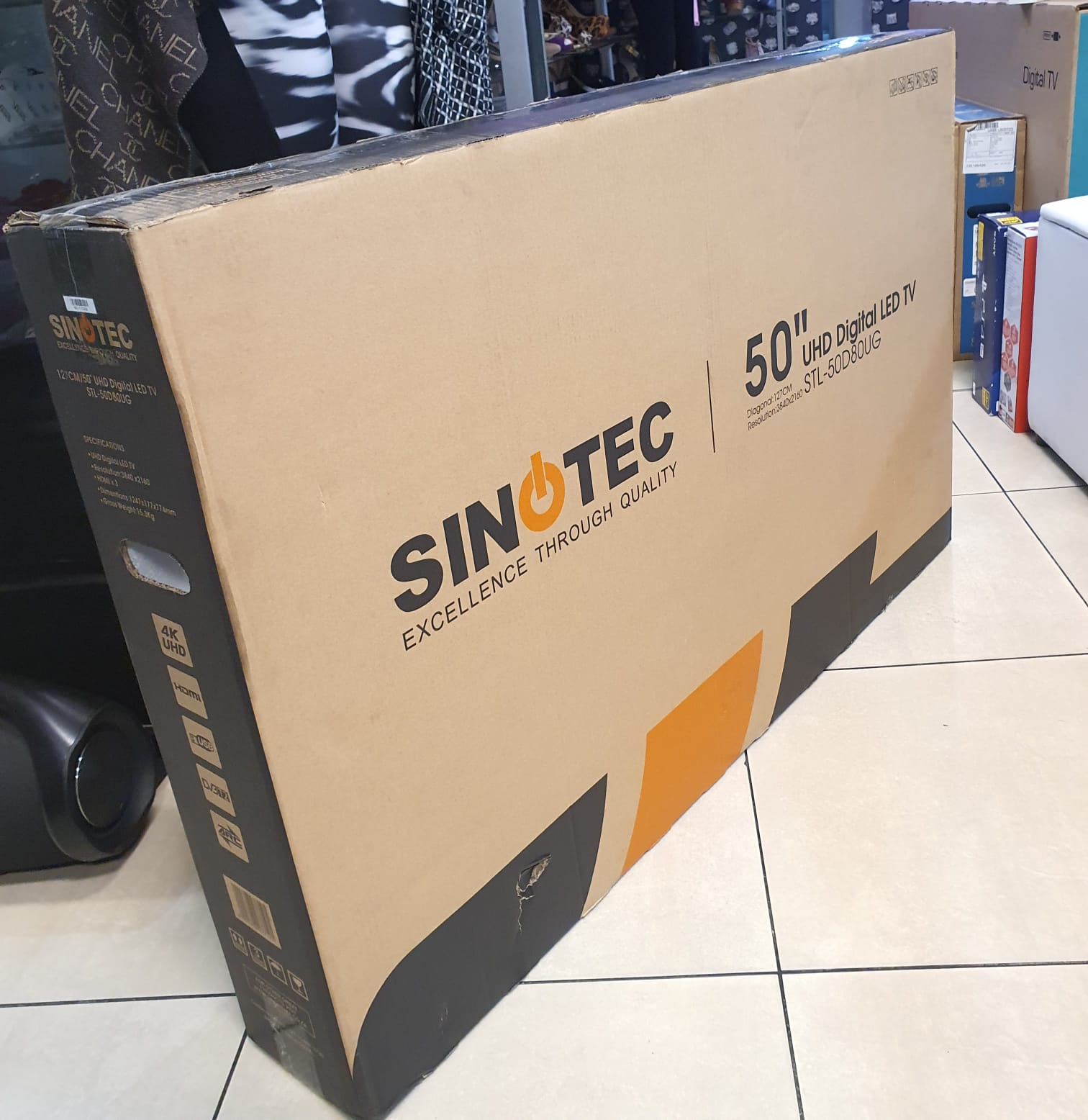 Sinotec 50 inch uhd led 3D Price is R4999 brand new sealed