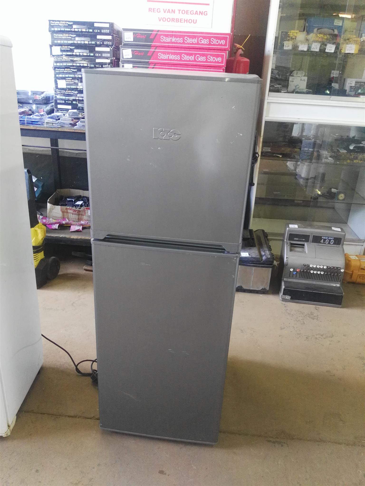 Defy 210 lt fridge