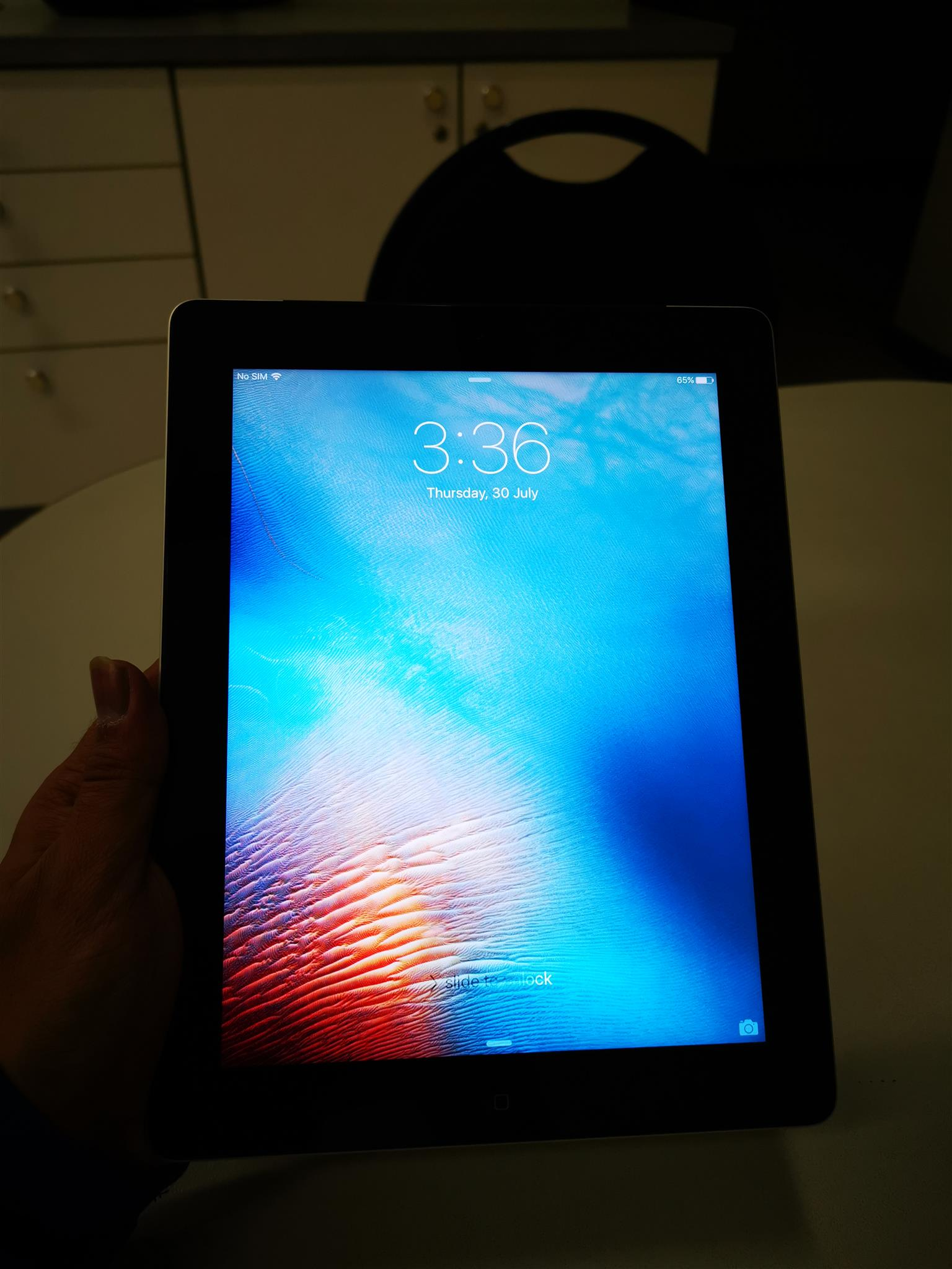 Apple ipad 3 64gb lte takes sim card In perfect condition