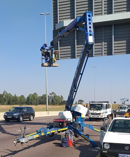 TRAILERMOUNTED CHERRY PICKERS FOR HIRE IN GAUTENG
