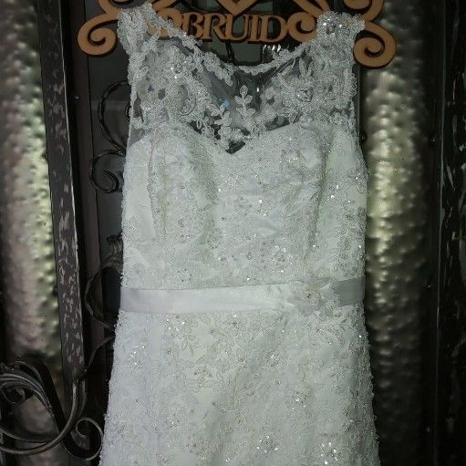 Beautiful size 34 wedding dress