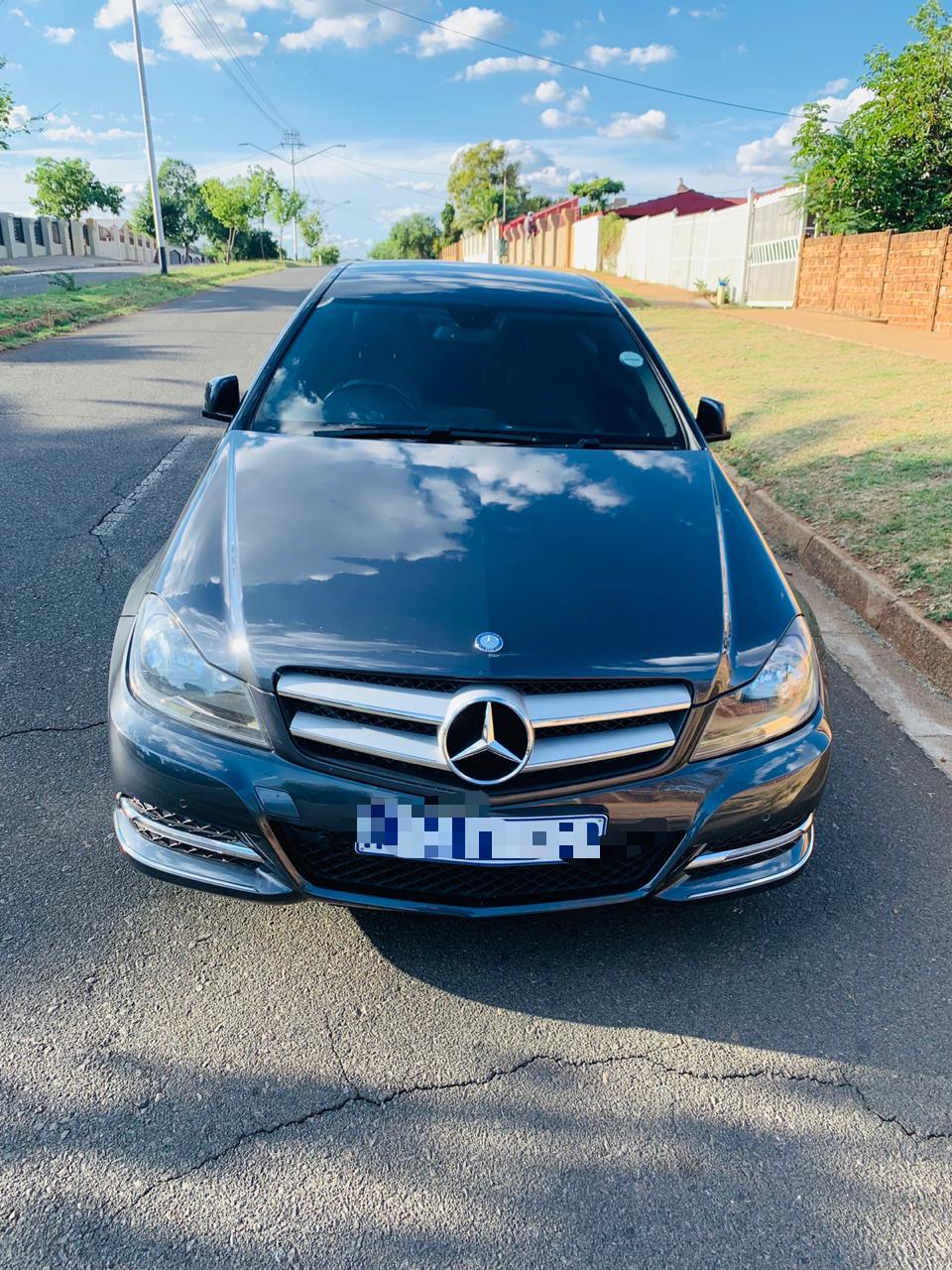 Mercedes Benz 219D