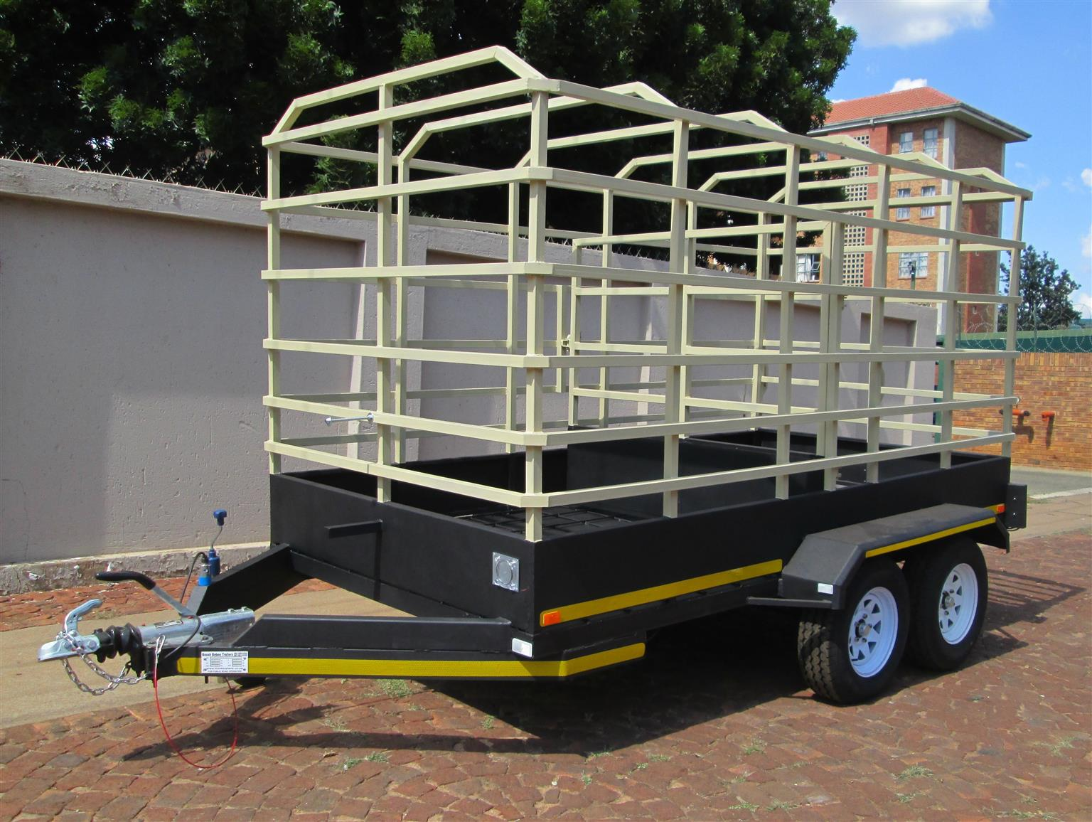 4M CATTLE TRAILER FOR SALE