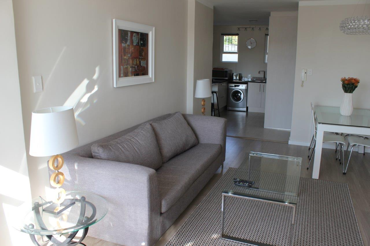 furnished room toi let in green point available from august