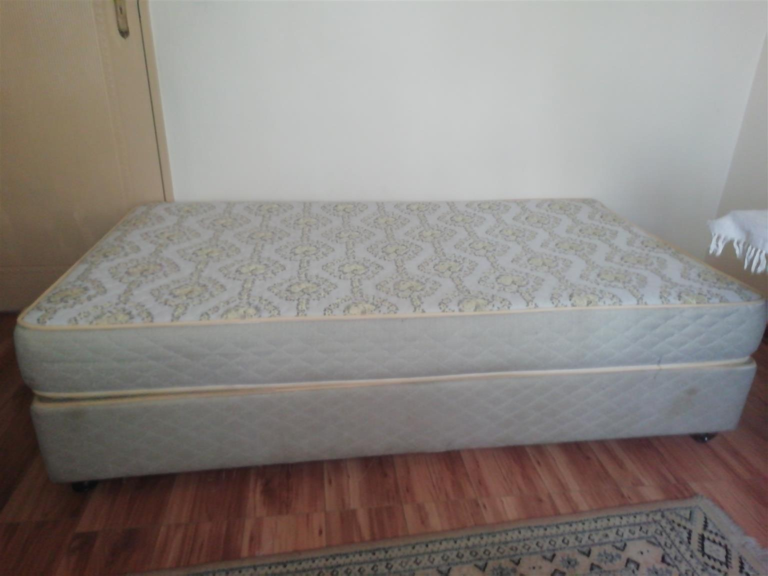 3/4 bed base and mattress for sale