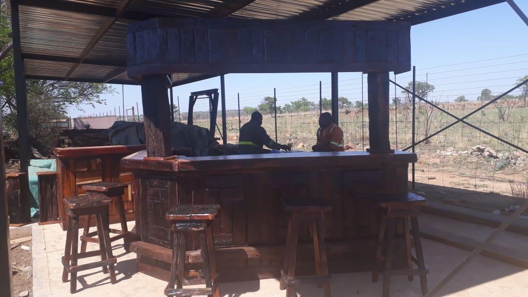 Bar 2.m×2m  6stoele canopy  voetrest  9500