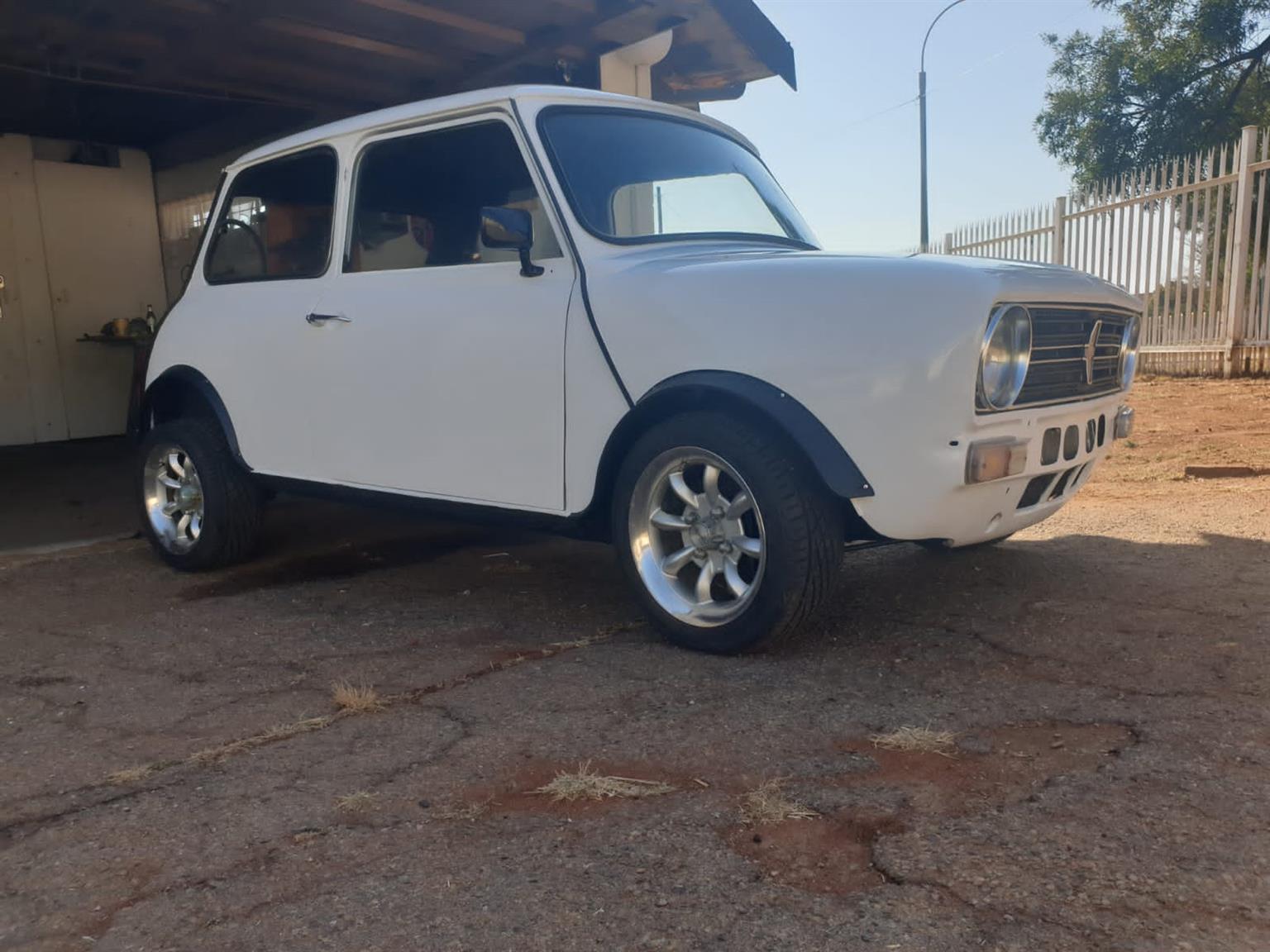 Austin mini sedan