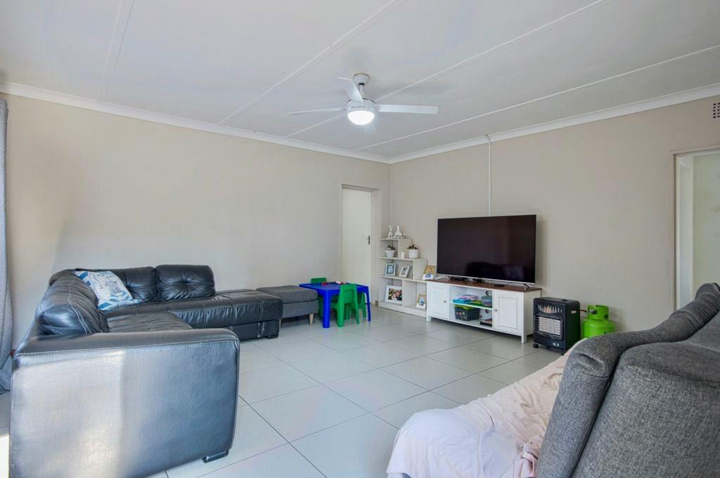 House For Sale in General Alberts Park