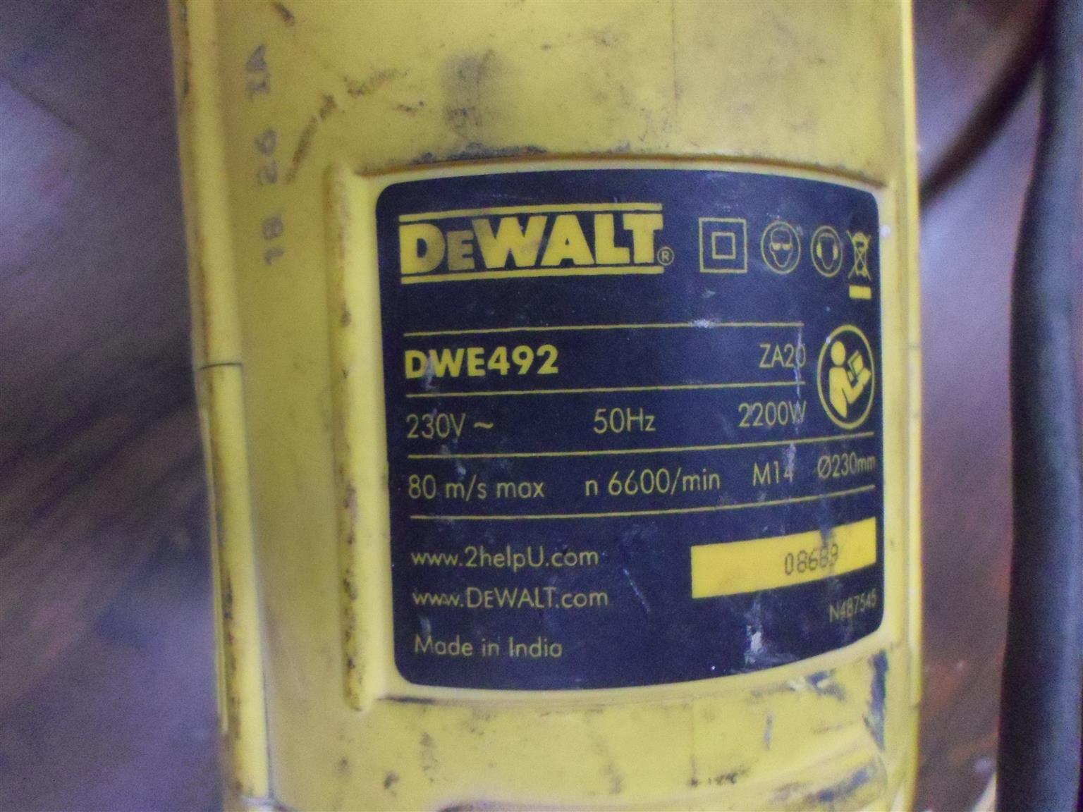 2200W DeWalt DWE492 Angle Grinder