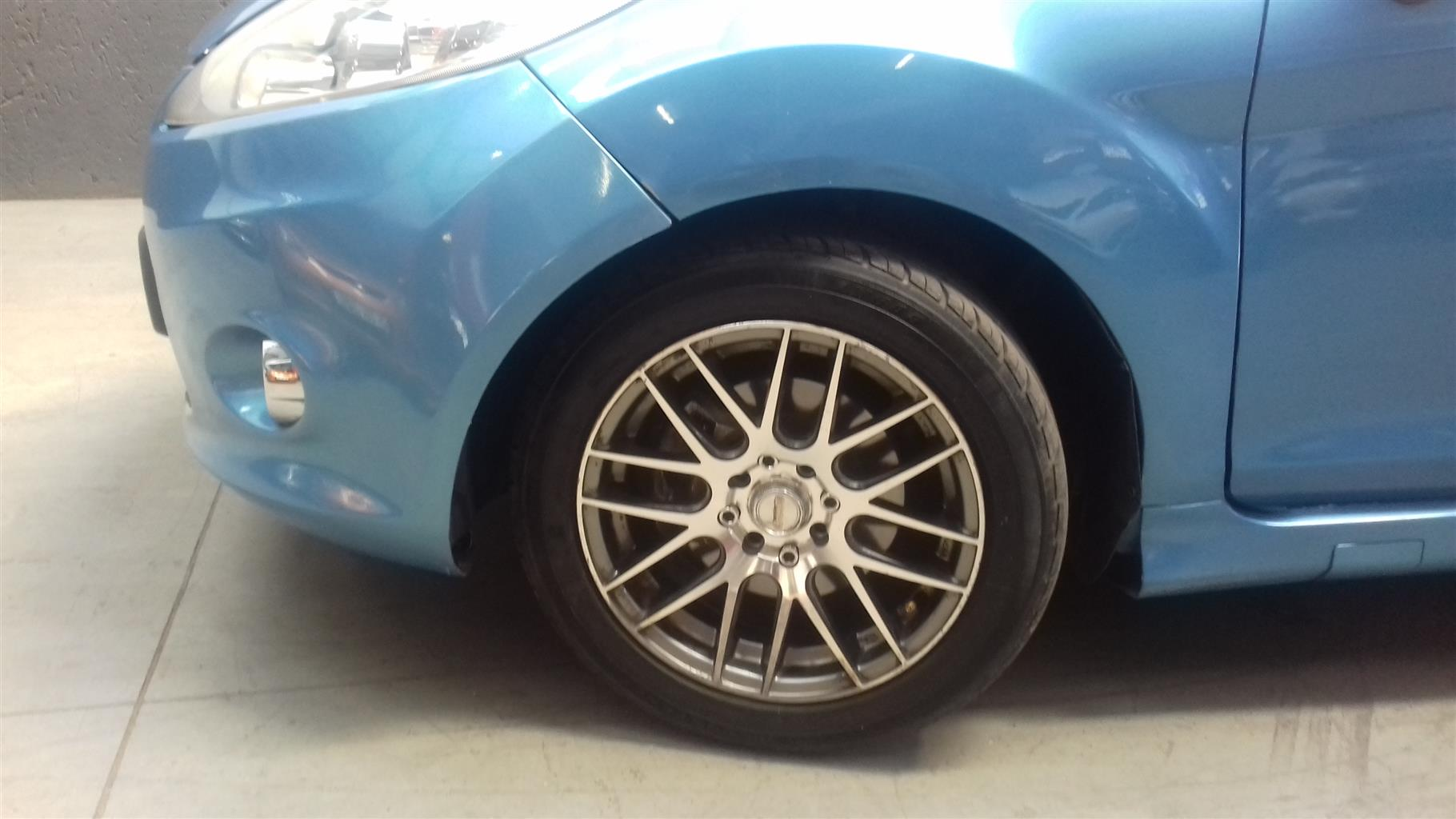2010 Ford Focus hatch 3-door FOCUS 2.5 ST 3Dr