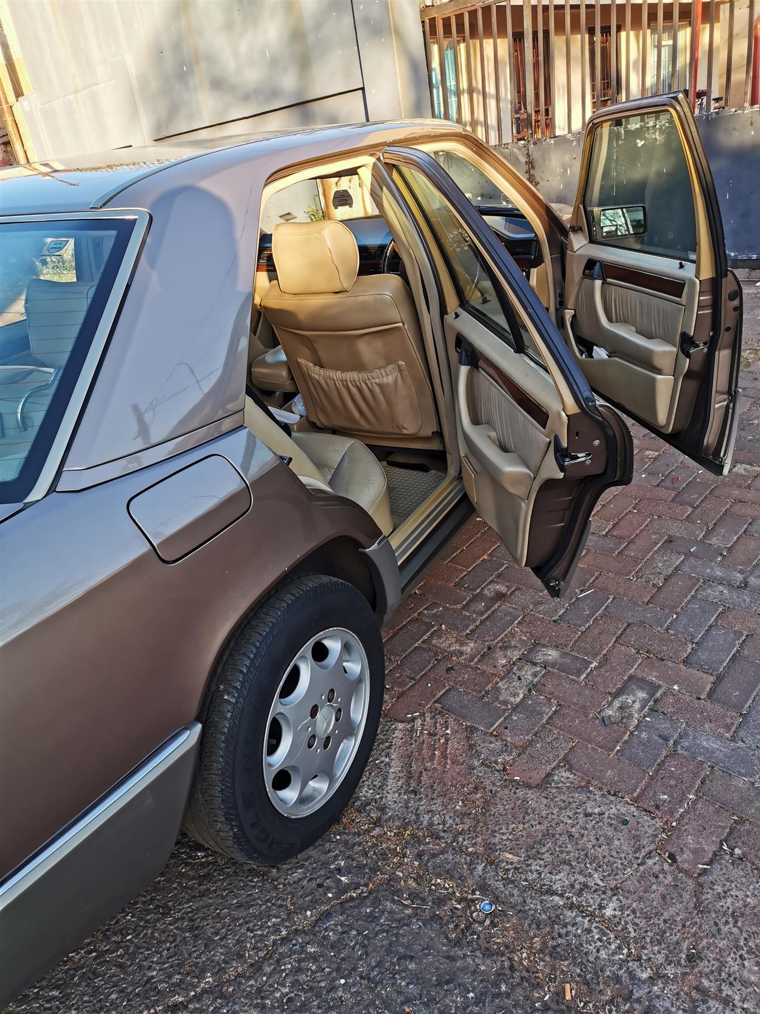 1991 Mercedes Benz 200E