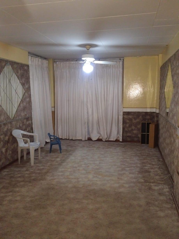 Delightful spacious secure 2 bedroom flat for sale in Sophiatown