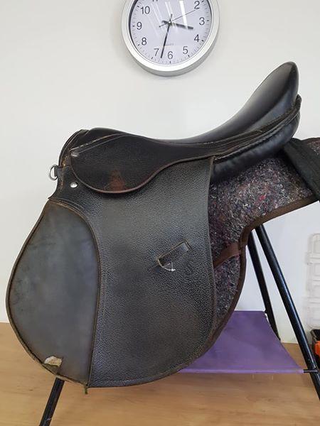 black Solo 18 inch GP saddle