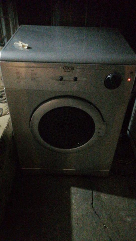 Defy 5kg silver finish tumble dryer.