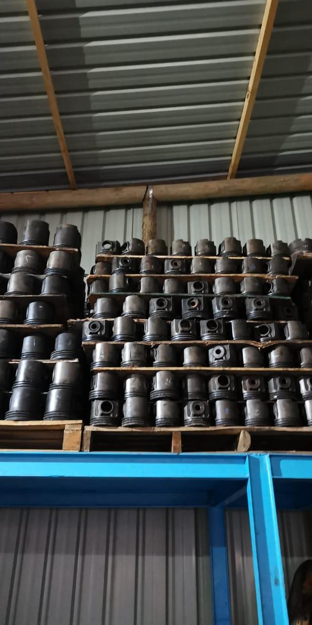 Komatsu engine pistons & sleeves
