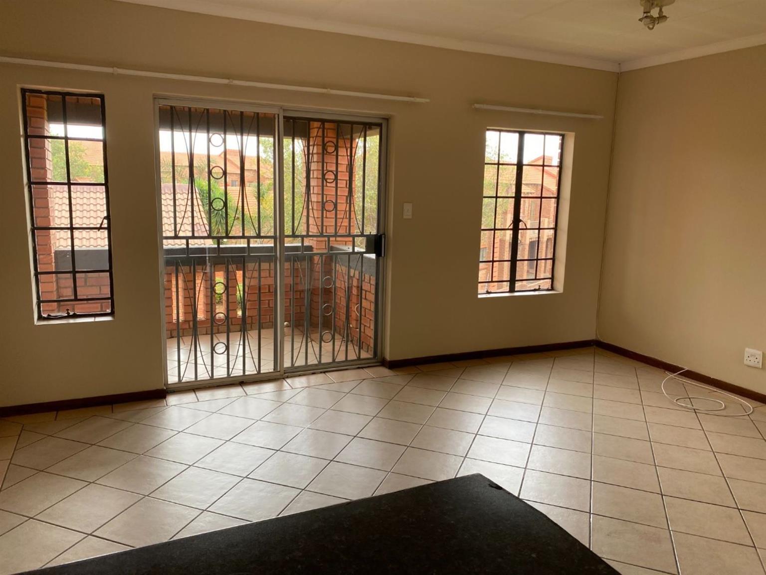 Apartment Rental Monthly in MOOIKLOOF RIDGE