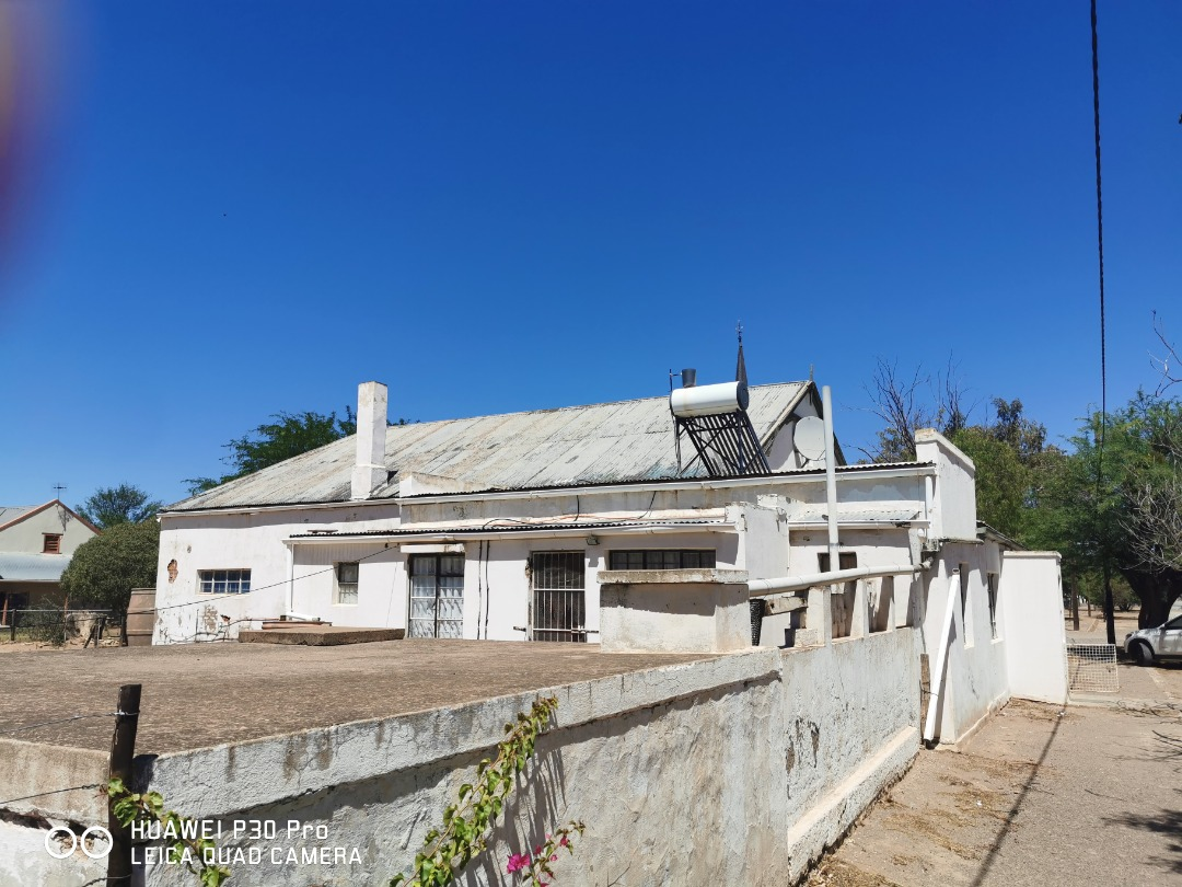 House For Sale in Steytlerville
