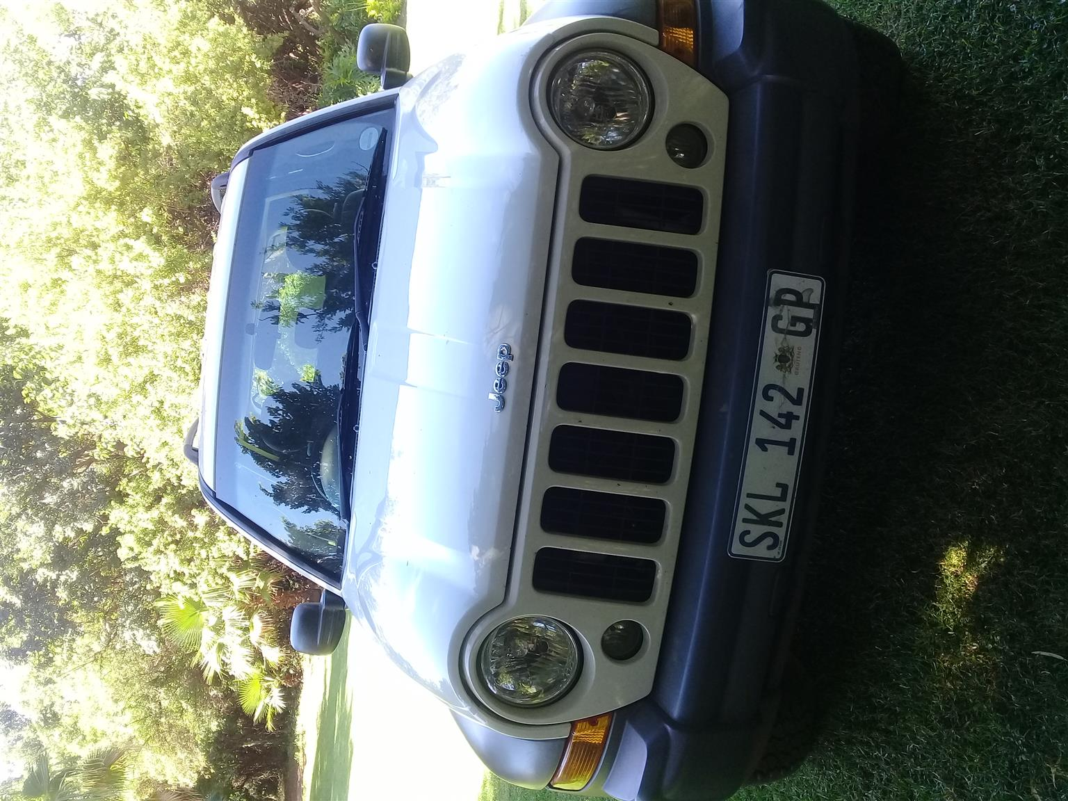 2005 Jeep Cherokee 2.4L Longitude