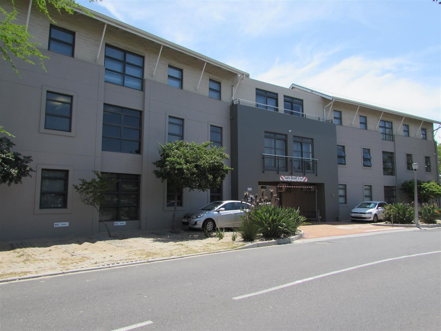 82m2 Office to Let in N1 City