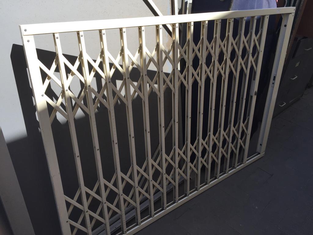 Trellidor Security sliding burglar bar with key & slam lock