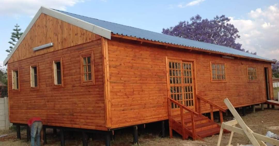 Big Wendys - New wood, Knotty Pine and Log Wood