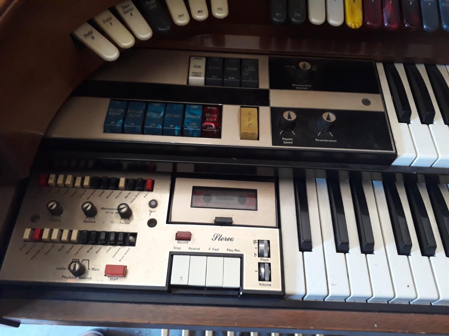 Lowrey organ antique
