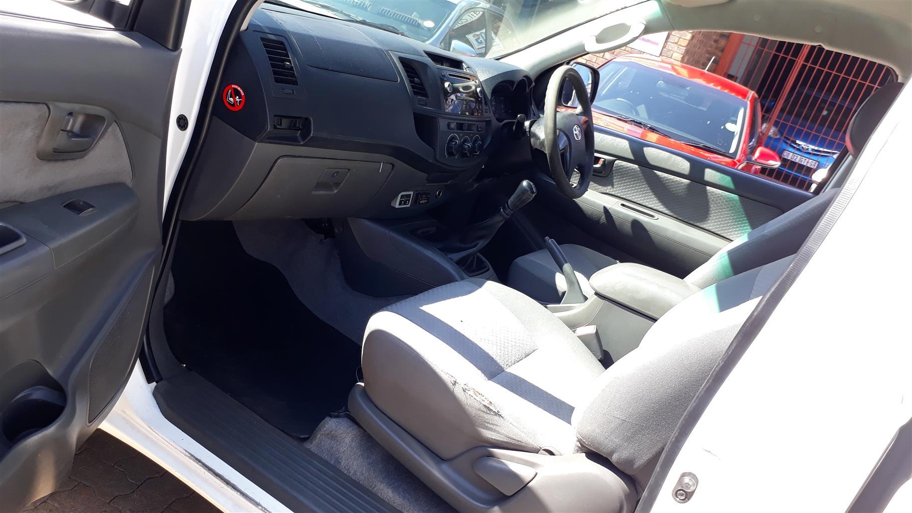 2014 Toyota Hilux 2.5D 4D raised body SRX